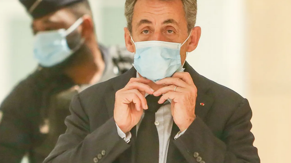 Nicolas Sarkozy condamné à un an de prison ferme.